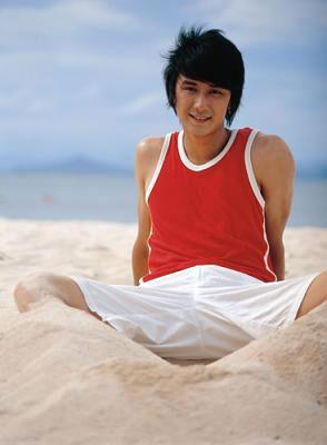 好男运动健康沙滩照男星-服装图库-重庆服装网